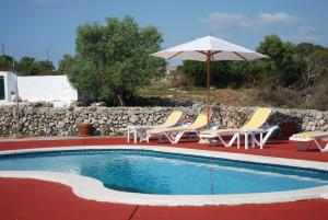 The swimming pool at or close to Agroturisme Binisaid NOU