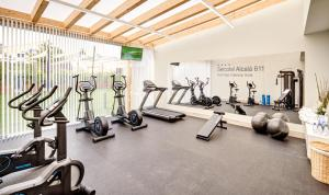 The fitness center and/or fitness facilities at Sercotel Alcalá 611