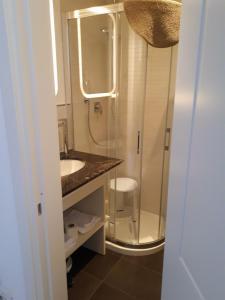 A bathroom at Alberica10