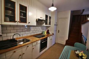 A kitchen or kitchenette at Casita Valentina