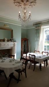 A restaurant or other place to eat at Cannaway House B&B