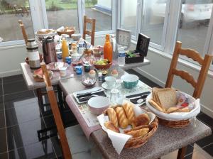 Options de petit-déjeuner proposées aux clients de l'établissement Chambre d'hotes Le Hamel