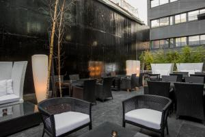 A restaurant or other place to eat at DoubleTree by Hilton Lisbon Fontana Park