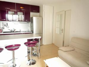 A kitchen or kitchenette at Apartment Blue Bay
