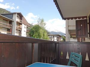 A balcony or terrace at Apartment Les Jardins Alpins-4