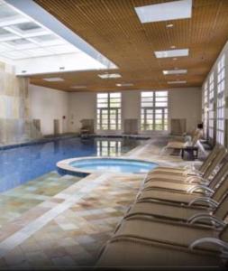 The swimming pool at or close to Apartamento Il Campanario