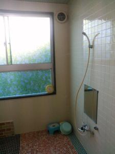 A bathroom at Minshuku Hogetsu