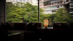 A seating area at Hotel Shirakawa Yunokura