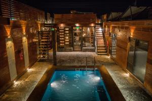 A piscina localizada em Hotel y Restaurante La Manada del Desierto ou nos arredores