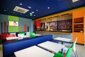 A restaurant or other place to eat at Ibis budget Sao Jose Do Rio Preto
