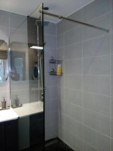 A bathroom at Port Royal