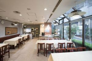 A restaurant or other place to eat at Hotel Tetora Tsurumi