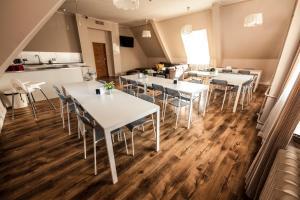 Restauracja lub miejsce do jedzenia w obiekcie Bi-Pi Hostel