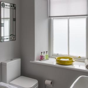 A bathroom at Llety Brynawel Guest House