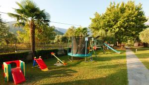 Ο χώρος παιχνιδιού για παιδιά στο Ariadni Hotel Bungalows