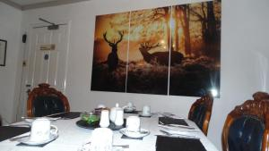 A restaurant or other place to eat at Westmore Bed & Breakfast