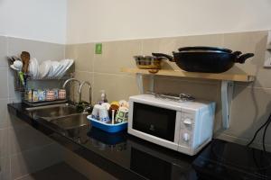 A kitchen or kitchenette at Villa 23 @ Cyberjaya