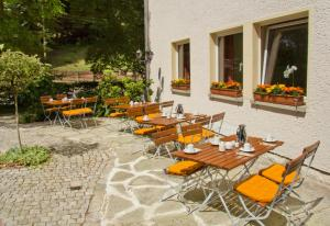 Patio o area all'aperto di Hotel garni Grundmühle