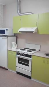 Кухня или мини-кухня в Апартаменты на Кирова 6
