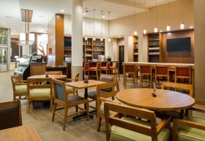 A restaurant or other place to eat at Hyatt Place Portland-Old Port