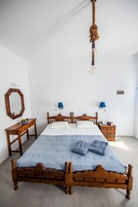 A bed or beds in a room at Laokasti Villas