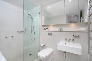 A bathroom at Two Bedroom Apartment Spofforth Street(SPF10)