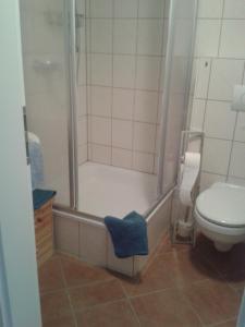 Ein Badezimmer in der Unterkunft VierZeitHof - Hofcafé EisZeit