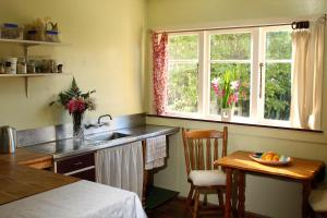 A kitchen or kitchenette at Ohura Bed and Breakfast