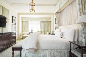 A bed or beds in a room at The Hay - Adams