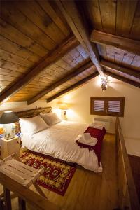 A bed or beds in a room at Monte Bianco Villas