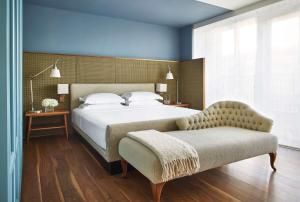 A bed or beds in a room at Park Hyatt Washington