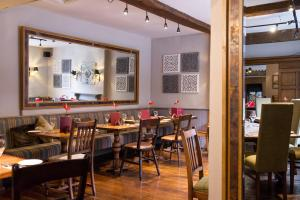 A restaurant or other place to eat at Innkeeper's Lodge Birmingham - NEC , Meriden