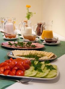 Breakfast options available to guests at Hotel Santa