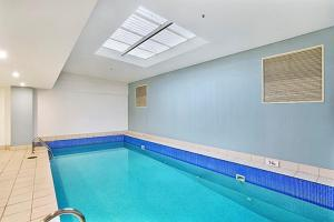 The swimming pool at or near Two Bedroom Apartment Napier Street II(AX301)