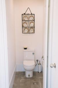 A bathroom at Sun Studio