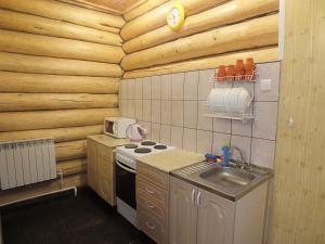 """Кухня или мини-кухня в """"Нotel Sova"""""""