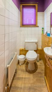 A bathroom at Shrimp Terrace