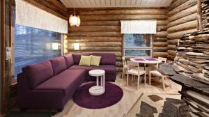 Loungen eller baren på Holiday Club Pyhäniemi Cottages