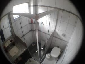 A bathroom at Sobrado Próx Centro Eventos