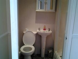 A bathroom at The Riverside