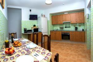 Una cocina o zona de cocina en Apartamento Salud