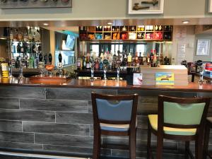 The lounge or bar area at Great Western Hotel Swindon