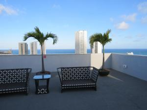 A balcony or terrace at Flats Boa Viagem Prime