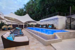 The swimming pool at or near Radisson Hotel Brunei Darussalam