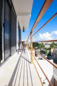 A balcony or terrace at Villas Isza