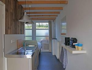 Een keuken of kitchenette bij Studio Zilt