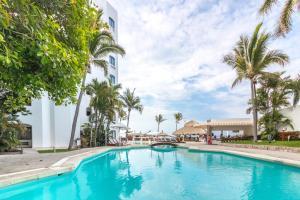 The swimming pool at or near Gaviana Resort
