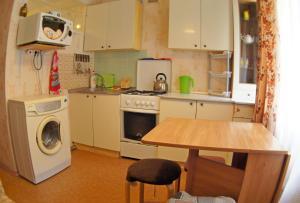 Кухня или мини-кухня в Уютная квартира у моря в лучшем районе Светлана