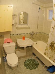 Ванная комната в Уютная квартира у моря в лучшем районе Светлана