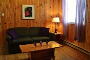 A seating area at Centre de Vacances 5 Étoiles Family Resort